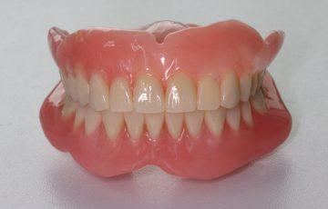 安定した入れ歯の画像